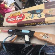 Juguetes antiguos de hojalata: ANTIGUA ESCOPETA A FRICCION BURP GUN MADE IN CHINA. HOJALATA MADERA Y PLÁSTICO. Lote 207389330