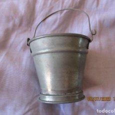 Juguetes antiguos de hojalata: CUBO DE LATA. RICO? PAYA? 8 CM. DE ALTO Y 8,5 CM. DE DIAMETRO.. Lote 210593270