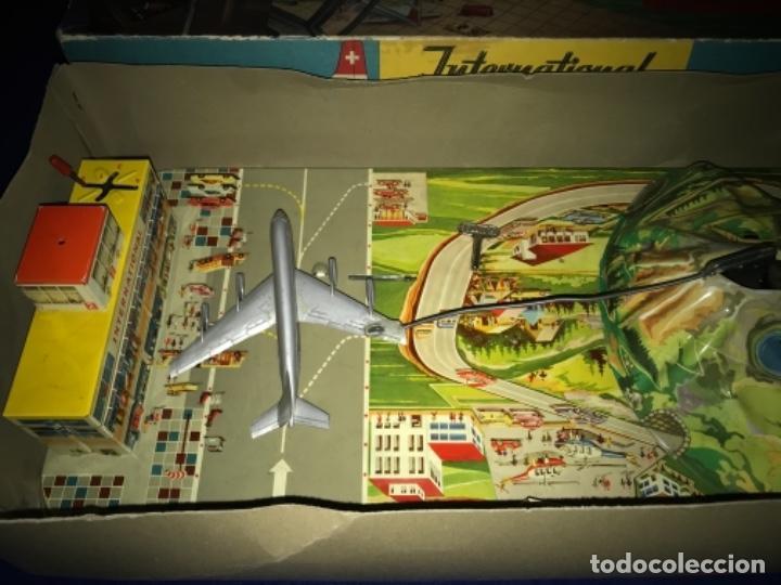 Juguetes antiguos de hojalata: International AIRWAYS - Technofix - Modelo 309 - Buen estado - Made in W Germany años 60 - Foto 7 - 210698091