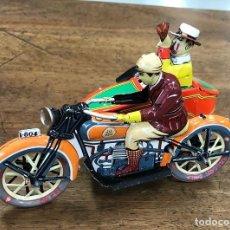 Juguetes antiguos de hojalata: MOTO CON SIDECAR PAYA. REPRODUCCION. EN CAJA. FUNCIONA. NO CONSERVA LA LLAVE. Lote 211395929
