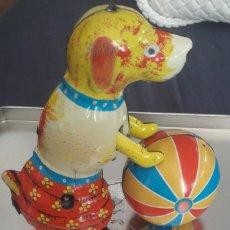 "Juguetes antiguos de hojalata: JUGUETE DE HOJALATA ""CORRECAMINOS"". Lote 215606732"