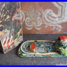 Juguetes antiguos de hojalata: JUEGO ANTIGUO DE CHAPA Y CUERDA DE UN FUNICULAR CABLE CAR. Lote 217501898