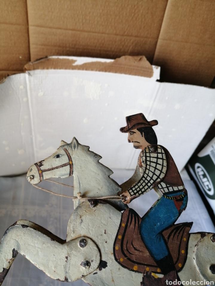 Juguetes antiguos de hojalata: Antiguo juguete caballo de hierro - Foto 3 - 217542373