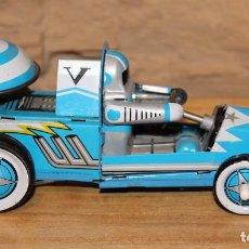 Brinquedos antigos de folha-de-Flandres: ASTRONAUTA CON VEHICULO LUNAR - JUGUETE DE HOJALATA - A CUERDA - FUNCIONANDO - 14X7CM. Lote 218687305