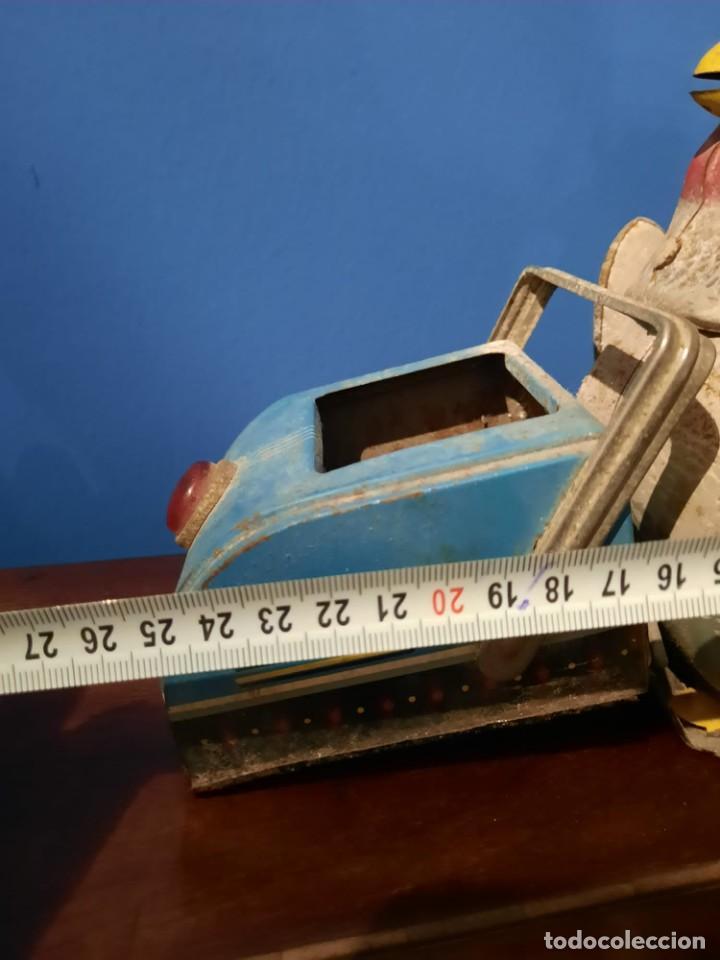 Juguetes antiguos de hojalata: Gallina ponedora, años 30-40 - Foto 14 - 219351981