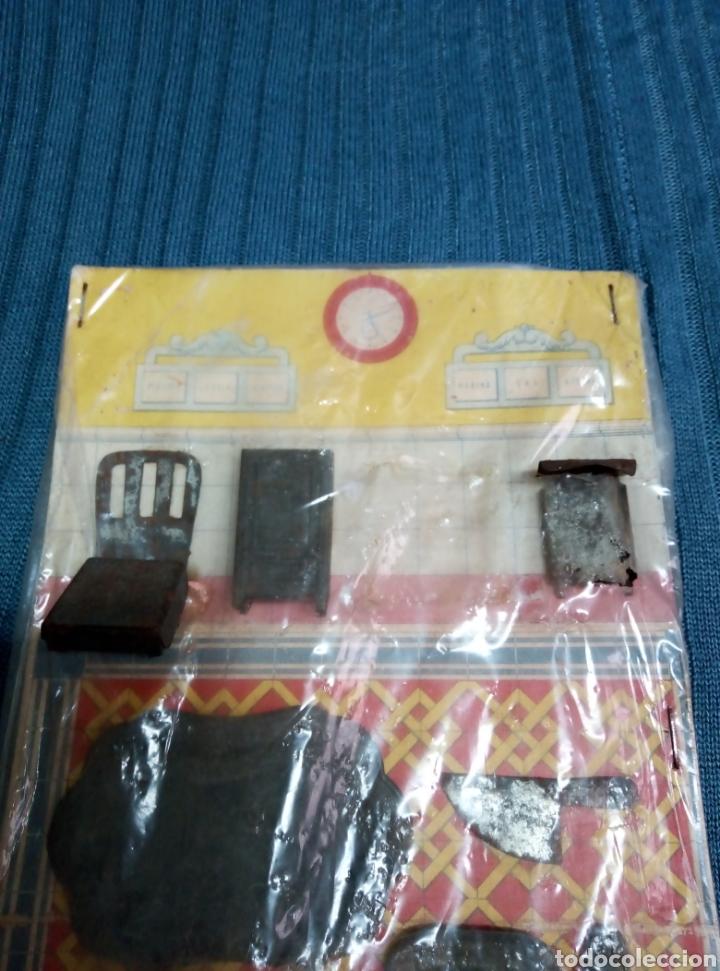 Juguetes antiguos de hojalata: Antiguo juego de cocina en hojalata tamaño para casa de muñecas. - Foto 2 - 220172595