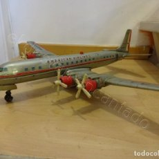 Juguetes antiguos de hojalata: ANTIGUO AVION HOJALATA AMERICAN AIRLINES. MADE IN JAPAN. 56 X 59 CTMS. Lote 220855406