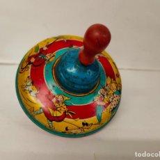 Juguetes antiguos de hojalata: PEONZA ZUMBADORA DE HOJALATA, 15 CMS DE DIAMETRO. AÑOS 50/60. Lote 220972047