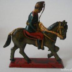 Juguetes antiguos de hojalata: SOLDADO CABALLERÍA PAYÁ AÑOS 30. Lote 221124053