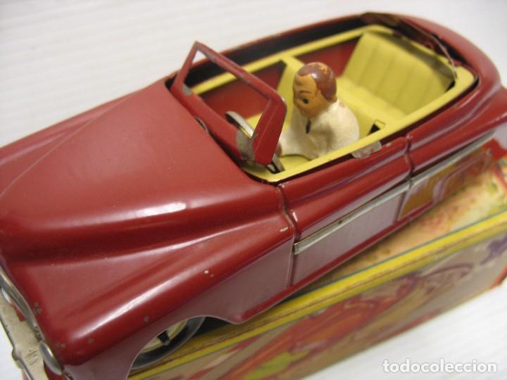 Juguetes antiguos de hojalata: coche rico descapotable con su caja - Foto 3 - 221967112