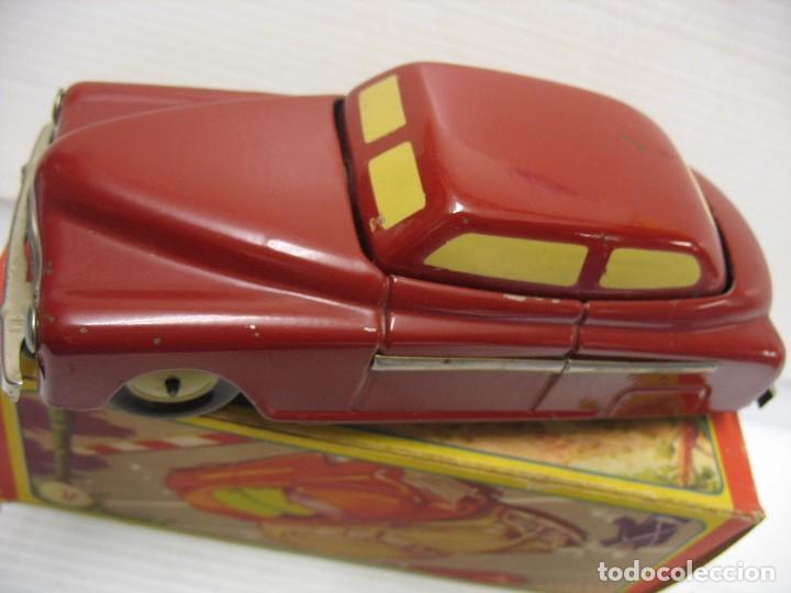 Juguetes antiguos de hojalata: coche rico descapotable con su caja - Foto 4 - 221967112