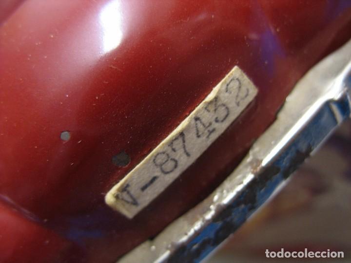 Juguetes antiguos de hojalata: coche rico descapotable con su caja - Foto 5 - 221967112