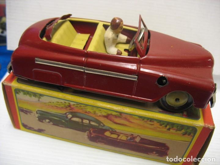 Juguetes antiguos de hojalata: coche rico descapotable con su caja - Foto 9 - 221967112