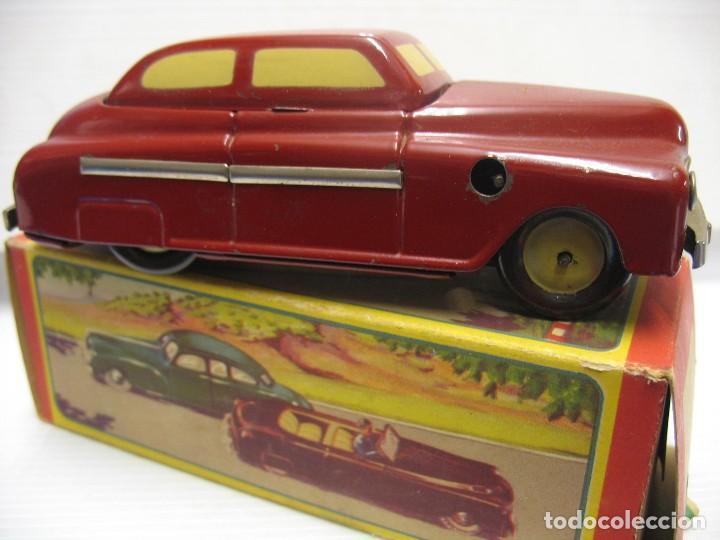 Juguetes antiguos de hojalata: coche rico descapotable con su caja - Foto 12 - 221967112