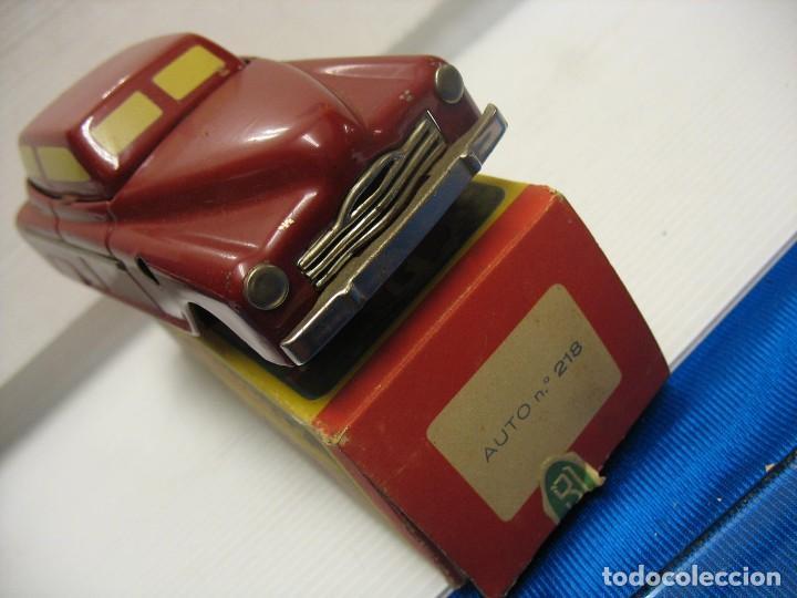 Juguetes antiguos de hojalata: coche rico descapotable con su caja - Foto 13 - 221967112