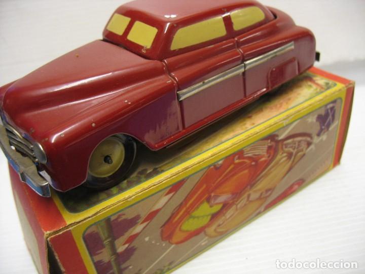 Juguetes antiguos de hojalata: coche rico descapotable con su caja - Foto 15 - 221967112