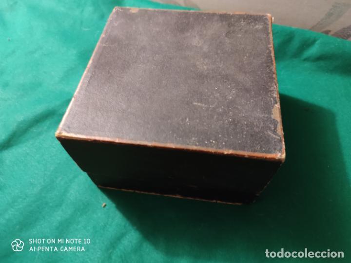 Juguetes antiguos de hojalata: PRECIOSO Y RARO JUGUETE DE APUESTAS CARRERAS DE CABALLOS SIGLO XIX MEDIDAS 22 X 22 cm - Foto 3 - 221976256