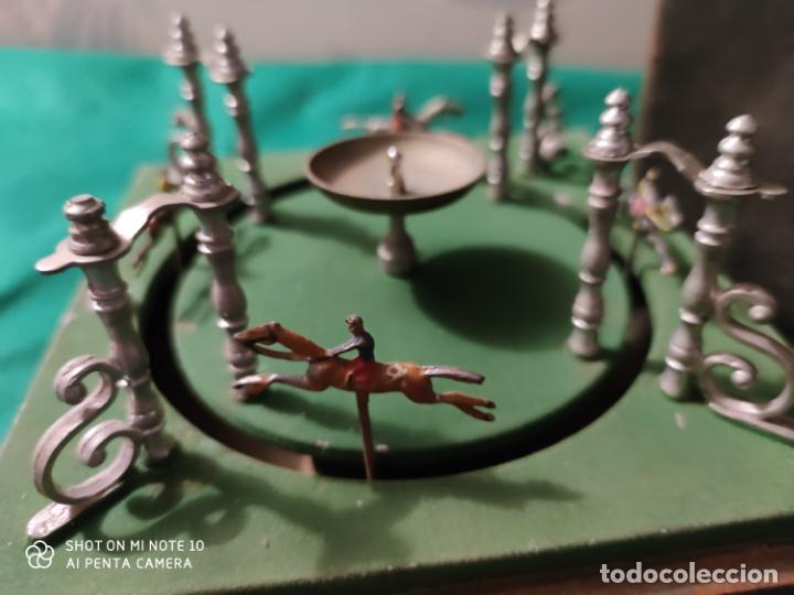 Juguetes antiguos de hojalata: PRECIOSO Y RARO JUGUETE DE APUESTAS CARRERAS DE CABALLOS SIGLO XIX MEDIDAS 22 X 22 cm - Foto 8 - 221976256