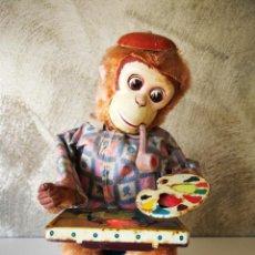 Juguetes antiguos de hojalata: ANTIGUO MONO PINTOR AUTÓMATA MADE IN JAPAN. Lote 222377445