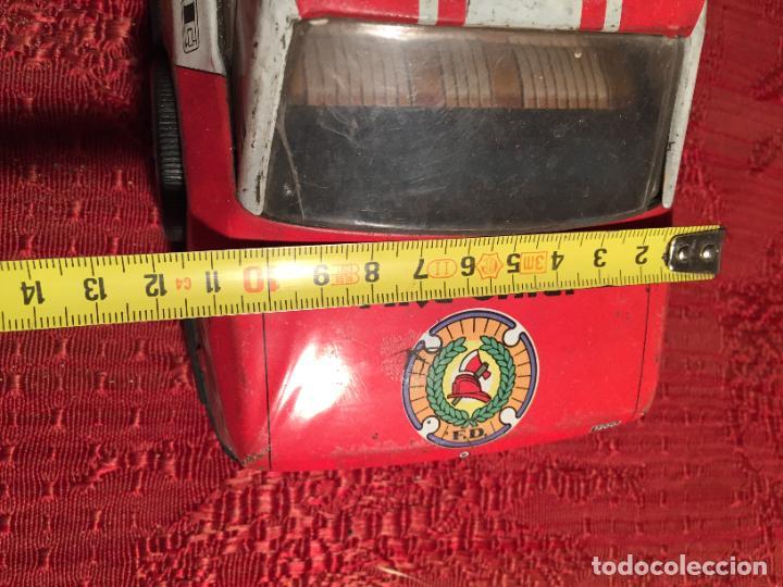 Juguetes antiguos de hojalata: Antiguo coche de juguete marca Román Fire Chief fire control años 70 - Foto 10 - 224904528