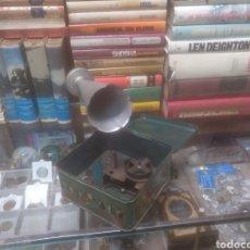 Juguetes antiguos de hojalata: GRAMOLA DE JUGUETE BING PYGMYPHONE ALEMANA. Lote 225177585
