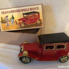 Juguetes antiguos de hojalata: COCHE DE CHAPA MARCA OLD FASHIONED ROLLS ROYCE,CON SU CAJA DE ORIGEN. Lote 226394915