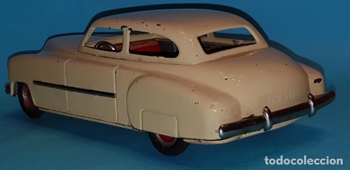 Juguetes antiguos de hojalata: Auto sedan de RICO, años 40, funcionando a fricción. - Foto 3 - 227133880