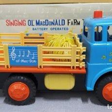 Juguetes antiguos de hojalata: SINGING OLD MACDONALD FARM TRUCK. NUEVO SIN JUGAR. ABIERTO PARA LA FOTOS. Lote 230505335