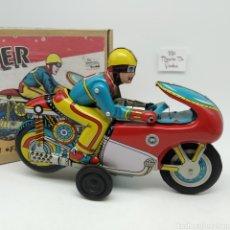 Juguetes antiguos de hojalata: MOTO WINNER A FRICCIÓN Y CON SONIDO DE EXPLOSIÓN DEL TUBO DE ESCAPE DE ORIENTAL METAL INDUSTRIES. Lote 235701195