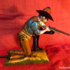 Juguetes antiguos de hojalata: VAQUERO RICO S.A. 1929. Lote 237075345