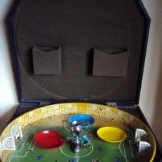 Juguetes antiguos de hojalata: (F-210135)ANTIGUO FUTBOLIN FOOT-BALL INGLES. Lote 237337785