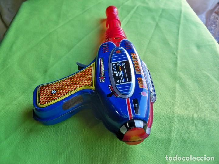 Juguetes antiguos de hojalata: Antigua pistola Espacial de chapa y platico SHUDO made in Japan - Foto 4 - 241551460