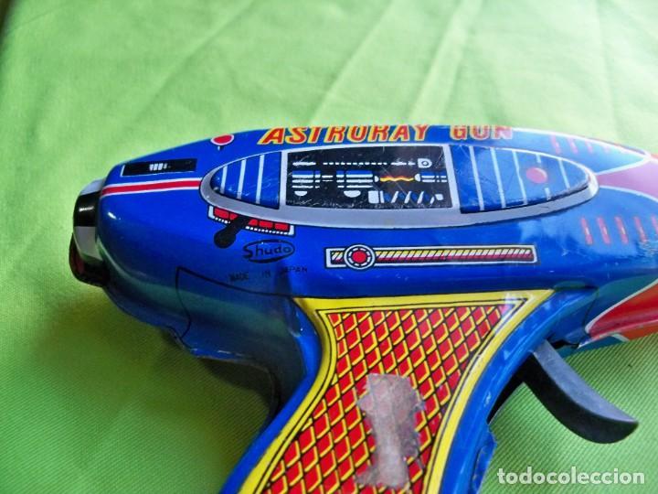 Juguetes antiguos de hojalata: Antigua pistola Espacial de chapa y platico SHUDO made in Japan - Foto 6 - 241551460
