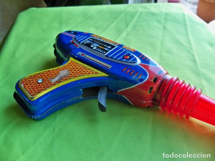 Juguetes antiguos de hojalata: Antigua pistola Espacial de chapa y platico SHUDO made in Japan - Foto 7 - 241551460