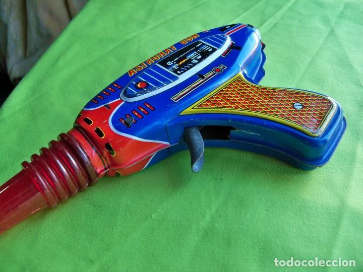 Juguetes antiguos de hojalata: Antigua pistola Espacial de chapa y platico SHUDO made in Japan - Foto 8 - 241551460