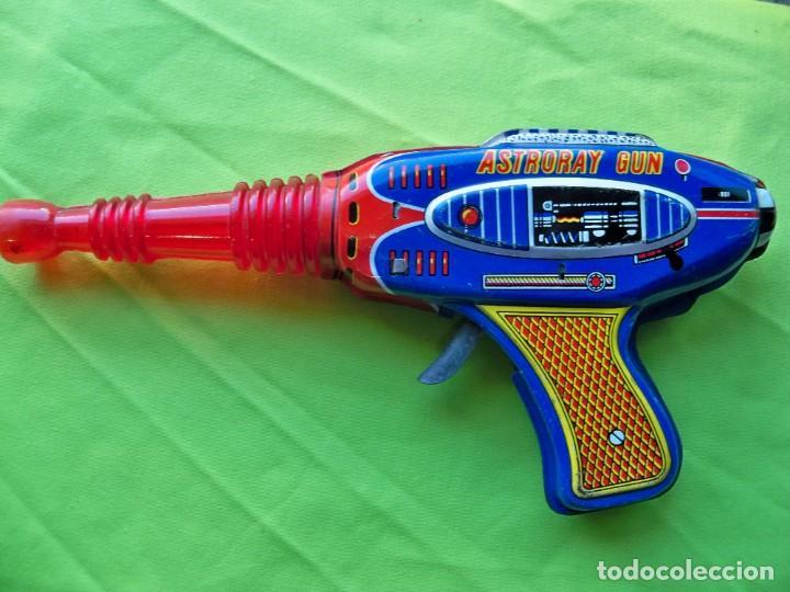 Juguetes antiguos de hojalata: Antigua pistola Espacial de chapa y platico SHUDO made in Japan - Foto 12 - 241551460