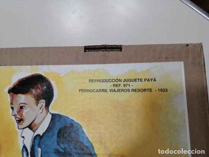Juguetes antiguos de hojalata: TREN FERROCARRIL VIAJEROS RESORTE PAYA DE 1933 - REPRODUCCION CERTIFICADA Y NUMERADA Ref. 971 - Foto 10 - 241936660