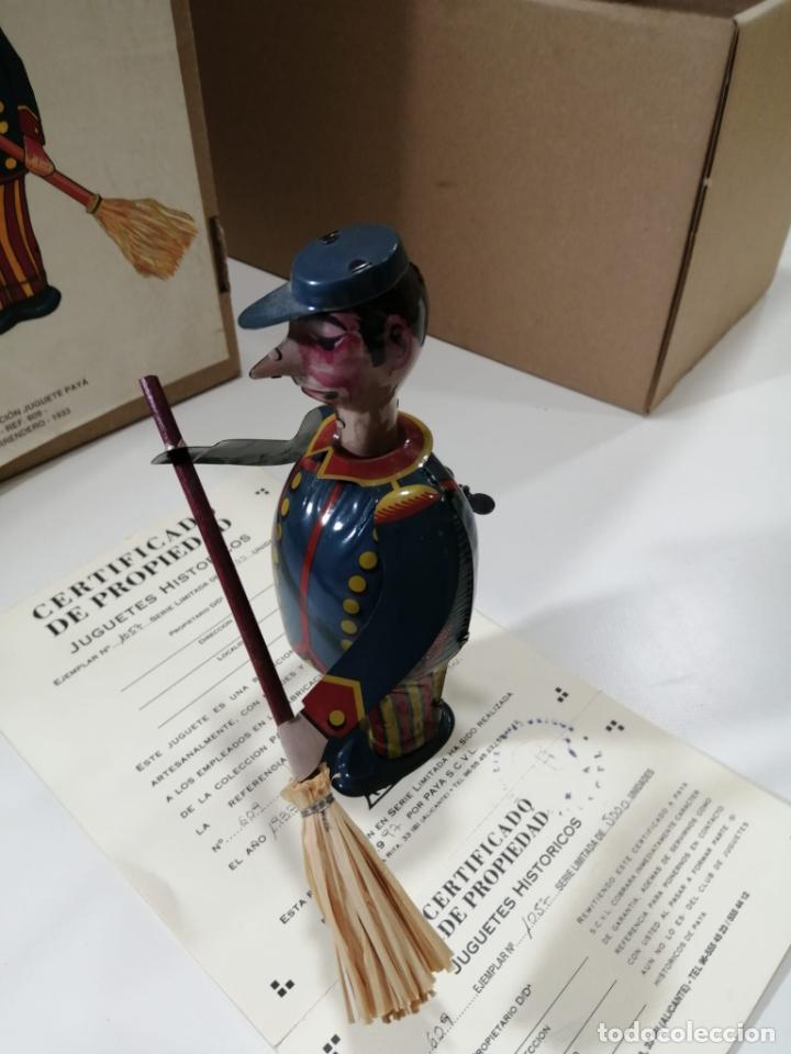 Juguetes antiguos de hojalata: BARRENDERO PAYA DE 1933 - REPRODUCCION CERTIFICADA Y NUMERADA Ref. 609 - Foto 3 - 241939325