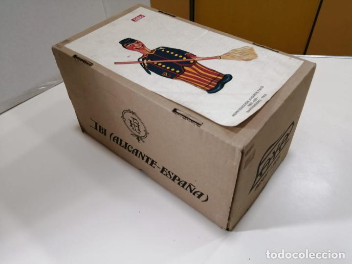 Juguetes antiguos de hojalata: BARRENDERO PAYA DE 1933 - REPRODUCCION CERTIFICADA Y NUMERADA Ref. 609 - Foto 6 - 241939325