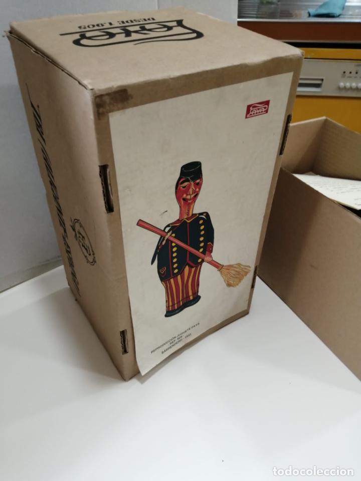Juguetes antiguos de hojalata: BARRENDERO PAYA DE 1933 - REPRODUCCION CERTIFICADA Y NUMERADA Ref. 609 - Foto 7 - 241939325