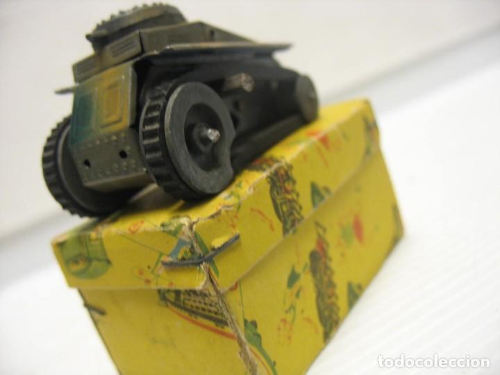 Juguetes antiguos de hojalata: paya tanque pulga con su caja - Foto 6 - 241947645