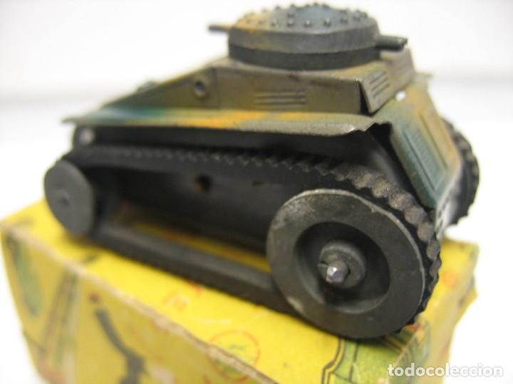 Juguetes antiguos de hojalata: paya tanque pulga con su caja - Foto 8 - 241947645