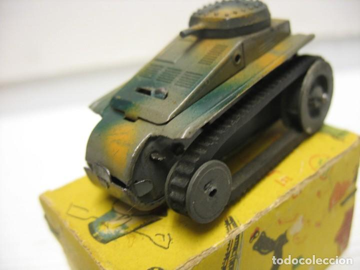 Juguetes antiguos de hojalata: paya tanque pulga con su caja - Foto 9 - 241947645