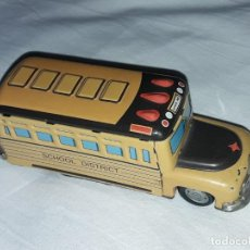 Brinquedos antigos de folha-de-Flandres: BELLO BUS JUGUETE DE HOJALATA LITOGRAFIADO DE CUERDA SCHOOL DISTRICT. Lote 242082295