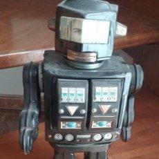 Juguetes antiguos de hojalata: ROBOT MON EXPLORER VER VIDEO. Lote 242946890