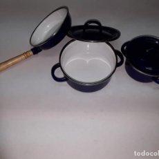 Juguetes antiguos de hojalata: CACHARROS COCINA JUGUETE METAL. Lote 243252790