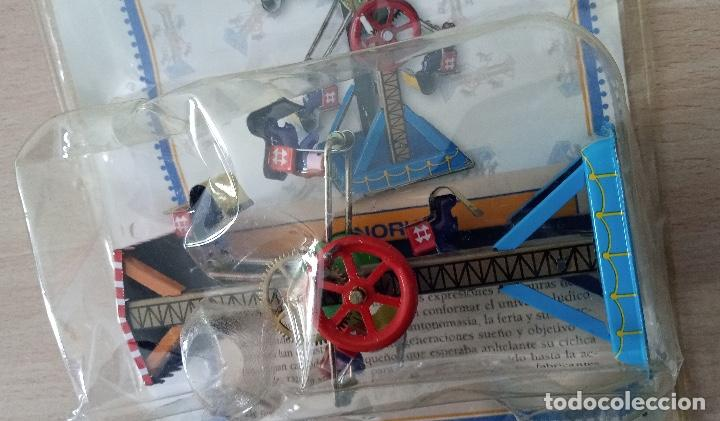 Juguetes antiguos de hojalata: Noria Juguete de Hojalata en su blister - Foto 3 - 245236955