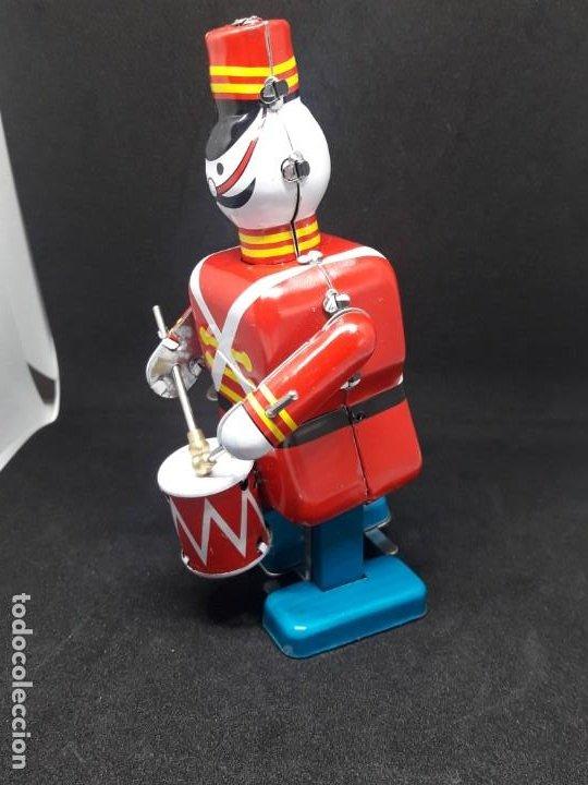 Juguetes antiguos de hojalata: soldado de hojalata tocando tambor - Foto 3 - 245373045