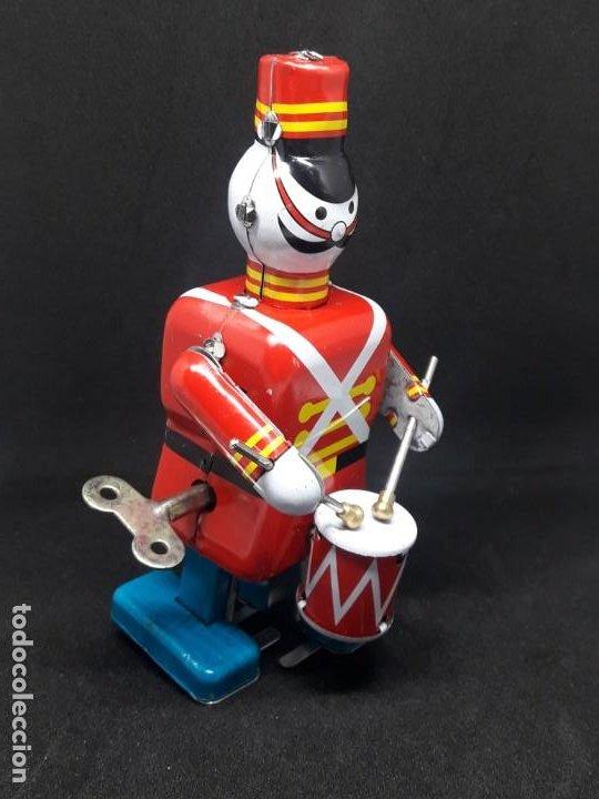 Juguetes antiguos de hojalata: soldado de hojalata tocando tambor - Foto 4 - 245373045