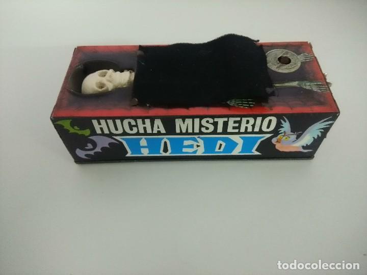 Juguetes antiguos de hojalata: HUCHA MISTERIO HEDI/MADE IN SPAIN AÑOS 70. - Foto 8 - 245565335